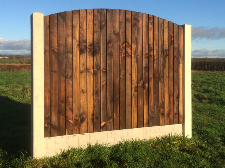 Medium Duty Feather Edged Fence Panel With Arched Top
