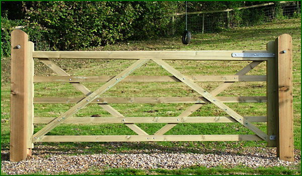 Universal 5 bar wooden gate