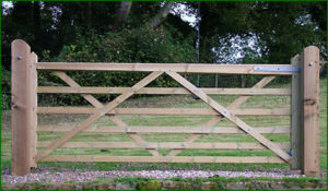 Universal 6 bar wooden gate