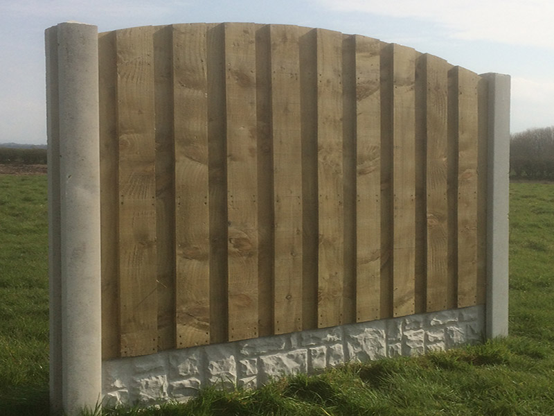 Heavy duty closed board fence panel with arched top
